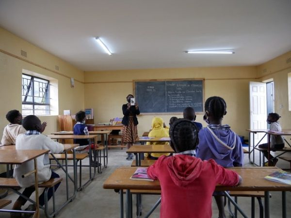 Erste Klasse in der Waya Schule