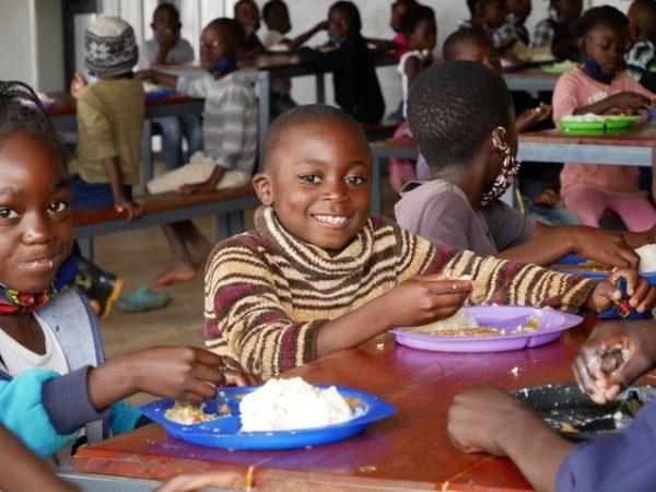 Tägliches Mittagessen in der Schule